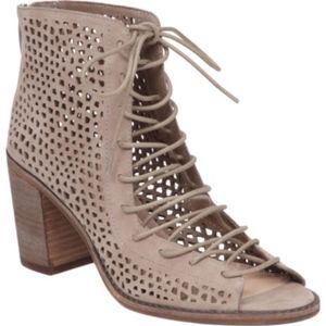 NEW Vince Cameo Tulina lace up bootie sandals
